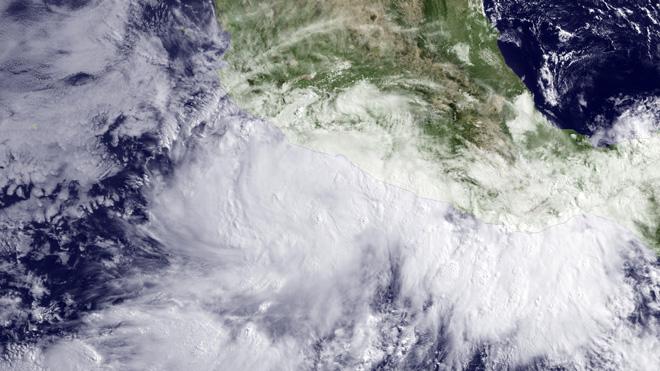 тропический шторм в Мексике