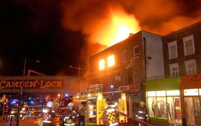 Feuer am Camden Market