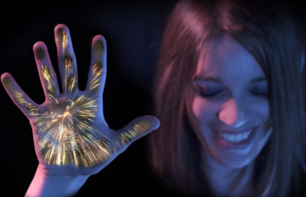 """The blind will be able to """"see"""" the fireworks. New development of Disney Research."""