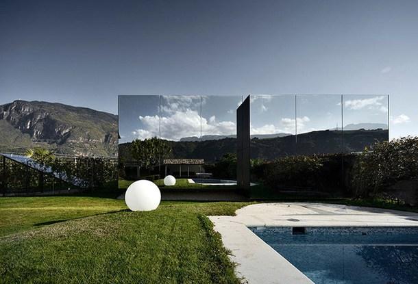 необычные дома - зеркальный дом
